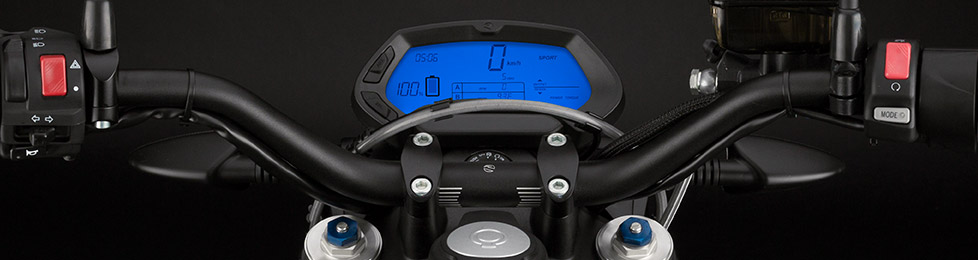 Das Armaturenbrett des Elektromotorrads Zero DS